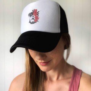 czapka z rottweilerem